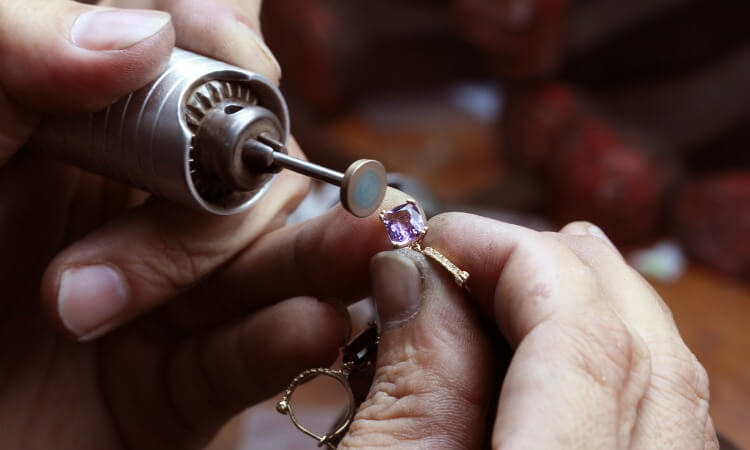 How To Become A Jewelry Designer – Your Time To Shine