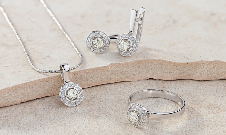 Who Buys Jewelry – Purchasing Tips To Keep In Mind